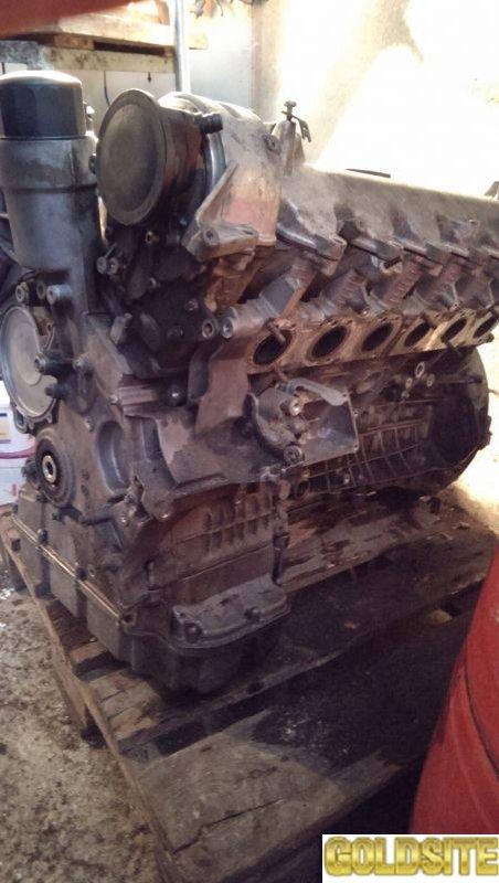 Масляный поддон двигателя верх низ Mercedes M275 M137 б/у