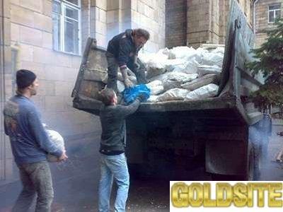 Вывоз,    вынос мусора,    строительного,    бытового,    старой мебели,    хлама… Самосвал.