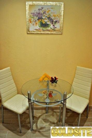 Тихая однокомнатная квартира  в Киеве не далеко от метро Лукьяновская