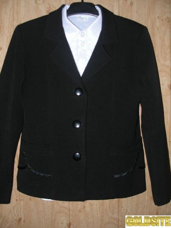 Продам школьный пиджак на девочку