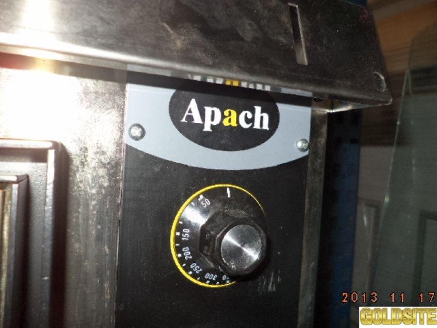 Печь для пиццы Apach  ,  б  у  в рабочем состоянии.