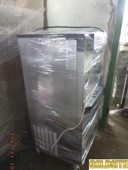 Фризер мягкого мороженного  б у в рабочем состоянии