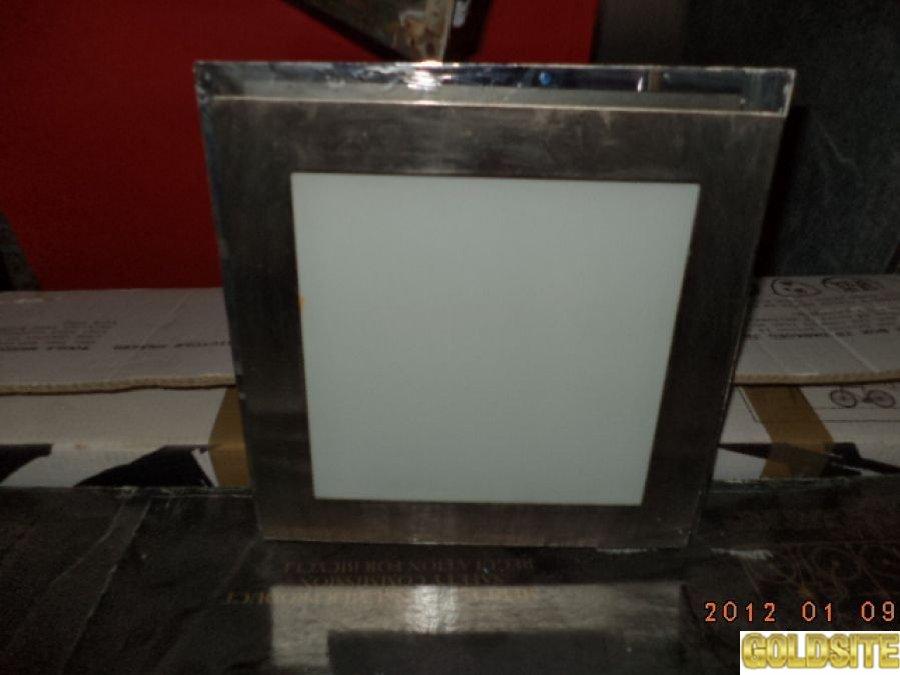 Светильники квадратные  б у в рабочем сотсоянии