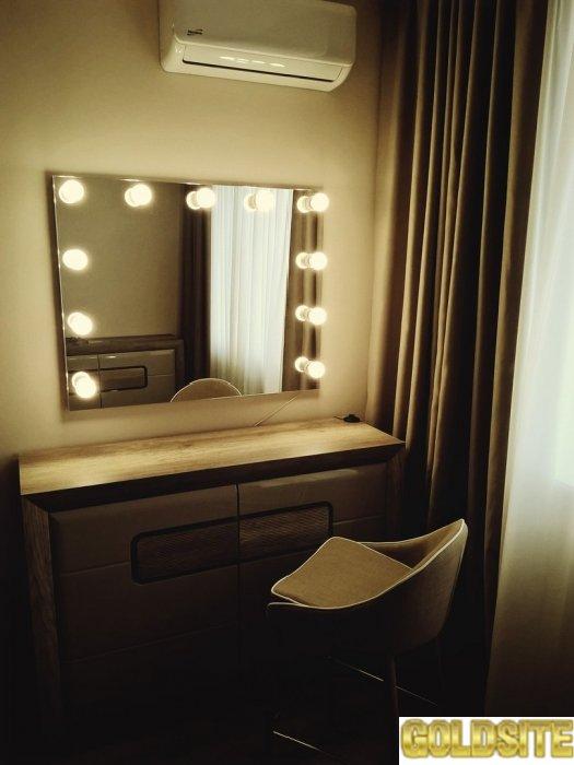 Зеркало с лампочками Alien