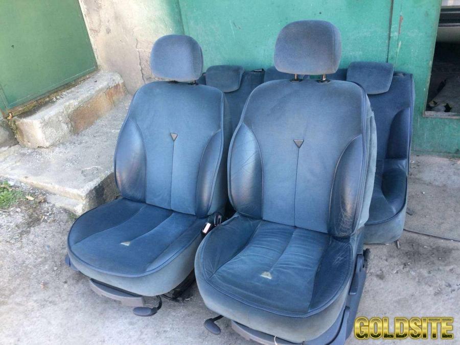 Б/у салон сиденья дверные карты Renault Laguna 2