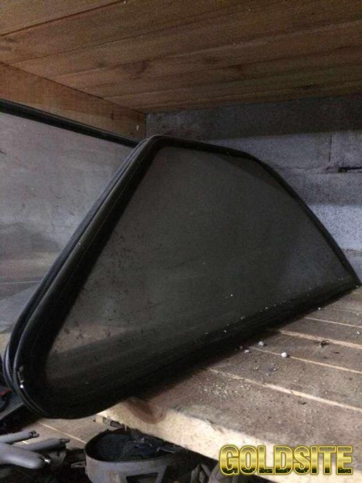 Б/у стекло боковое заднее Таврия ЗАЗ 1102 глухое