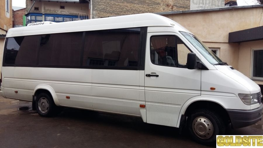 Пасажирські перевезення мікроавтобусом на 21 місце