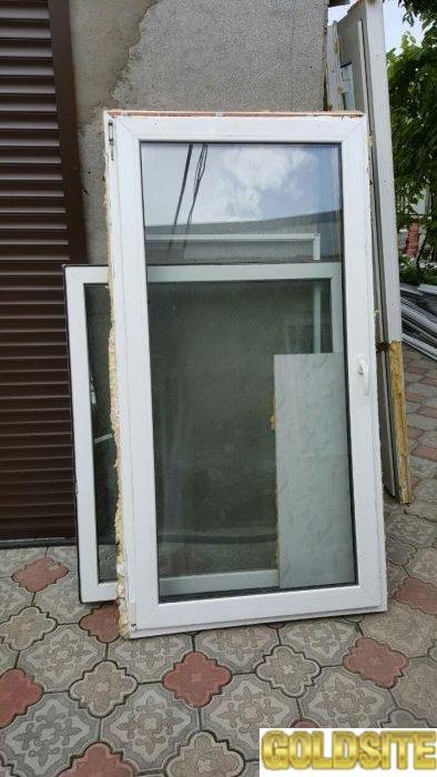 Продам м/пластиковые окна-двери б/у,  недорого