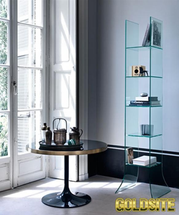 Итальянская мебель из стекла и стеклянные изделия:  столы,  стулья,  тумбочки,  полки,  стеллажи,  в