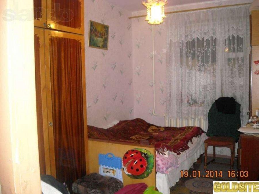 продается 2-комнатная квартира Корабельный район,  ул. Артема