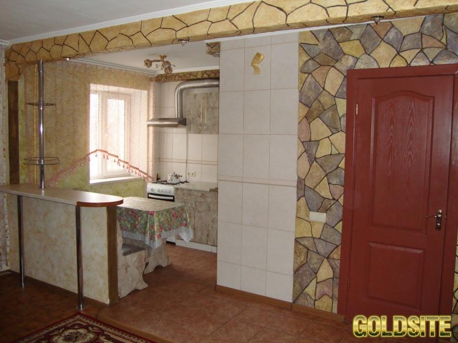 Goldsite Сдаю 1-комнатную квартиру посуточно и почасово.  Филатова/Космонавтов