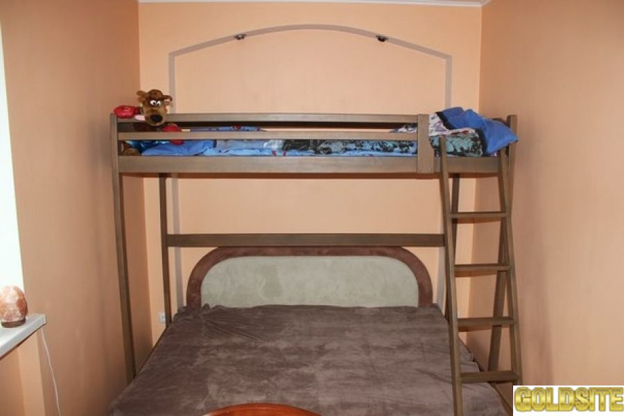 Кровать чердак с дерева ольхи.