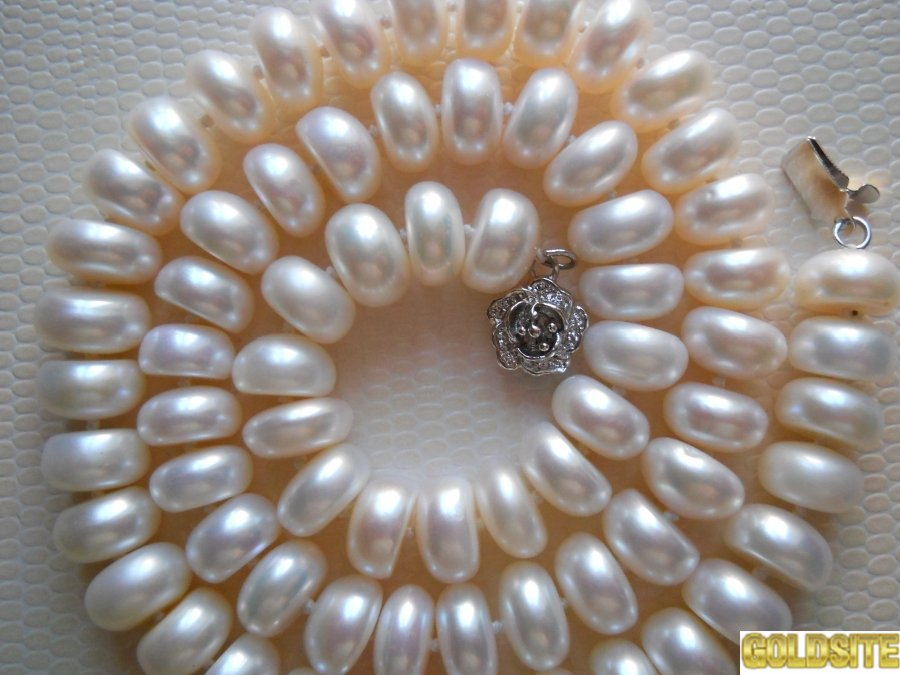 Ожерелье из крупного белого жемчуга