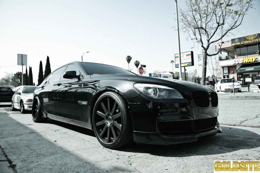Замечательный M-стиль для BMW 7 Series F02 и F01