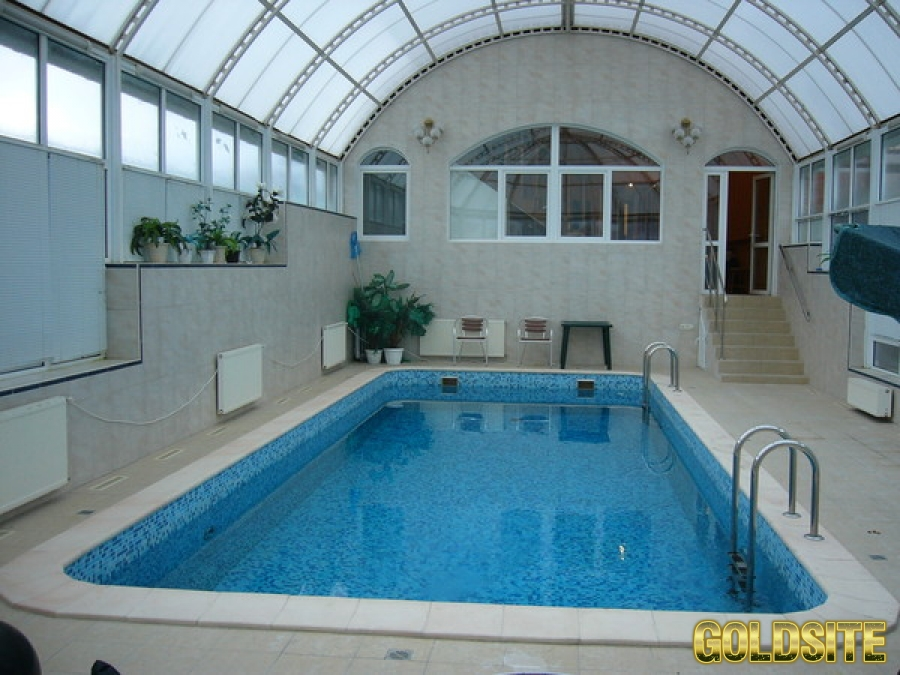 Посуточная  аренда дома с бассейном в Заборье.