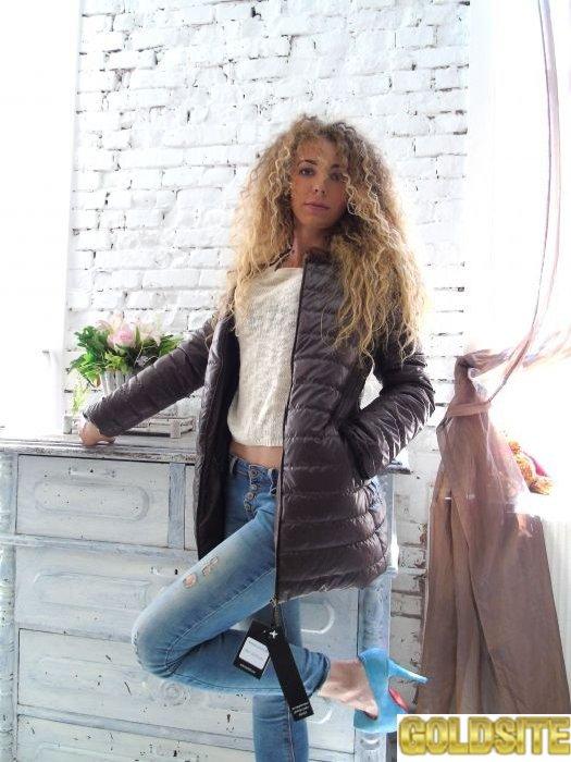 Легкая осенняя куртка от американского производителя дешево