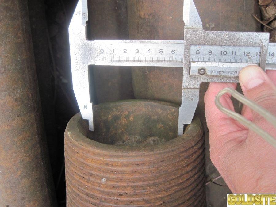 Буровые трубы стальные для скважин.